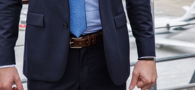 cách đeo dây nịt nam đẹp