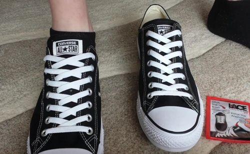 cách buộc dây giày đơn giản
