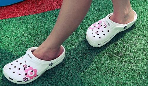 giày crocs chính hãng