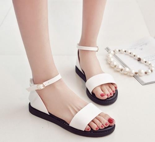 giày sandal nữ chính hãng