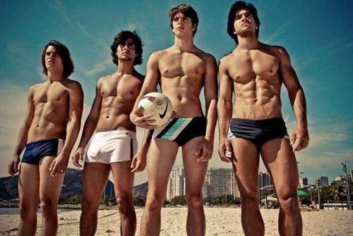 chọn quần bơi nam