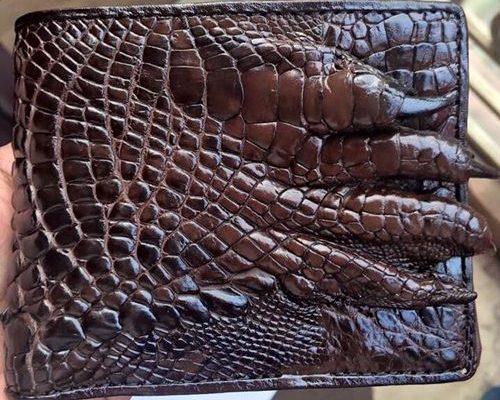 bảo quản ví da cá sấu