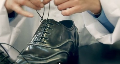 Photo of Bạn đã biết thắt dây giày da nam sao cho đúng cách chưa?