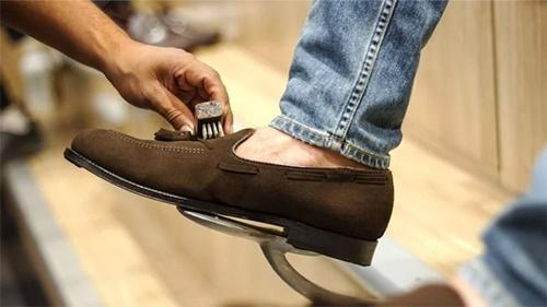 vệ sinh giày
