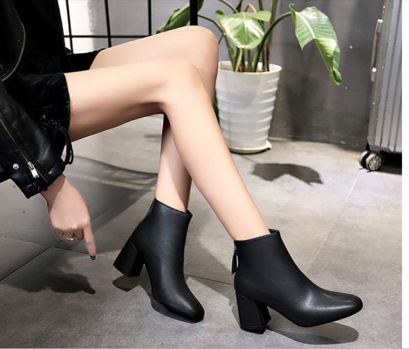 Photo of 7 cách phối giày boot nữ THẬT CÁ TÍNH cho các nàng diện ngày đông