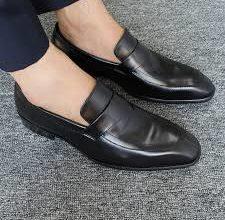 Photo of Kinh nghiệm chọn mua giày da công sở nam cực chuẩn