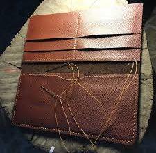Photo of Cùng Ngọc Quang học làm ví da handmade cơ bản nhất tại nhà
