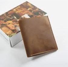 Photo of Bật mí cách chọn loại ví da handmade cho nam dành tặng cho các chàng
