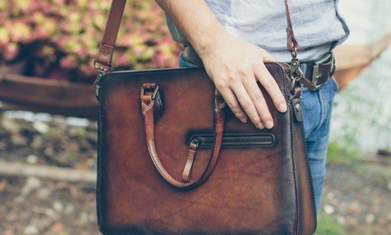 cách chọn túi xách cho nam