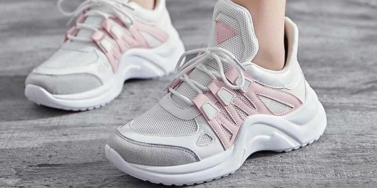 giày sneaker nữ chính hãng